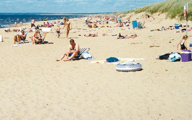 Njut på stranden i Mellbystrand
