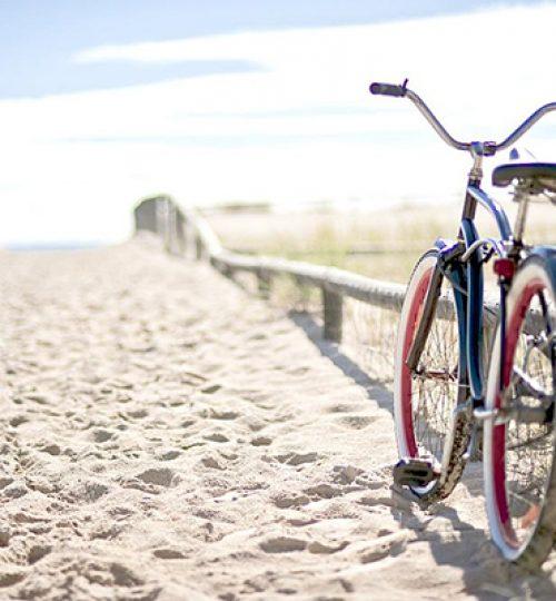 Cykla till stranden i mellbystrand