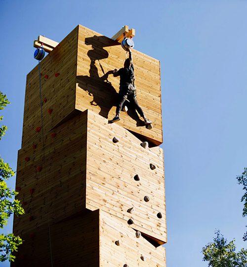 Kungsbygget Äventyrspark klättra